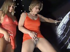MILF German Pissing